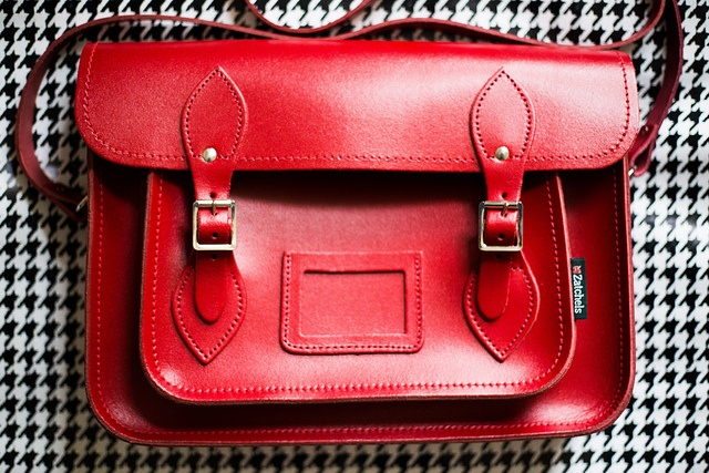 サッチェルバッグ<Classic Collection / Red>